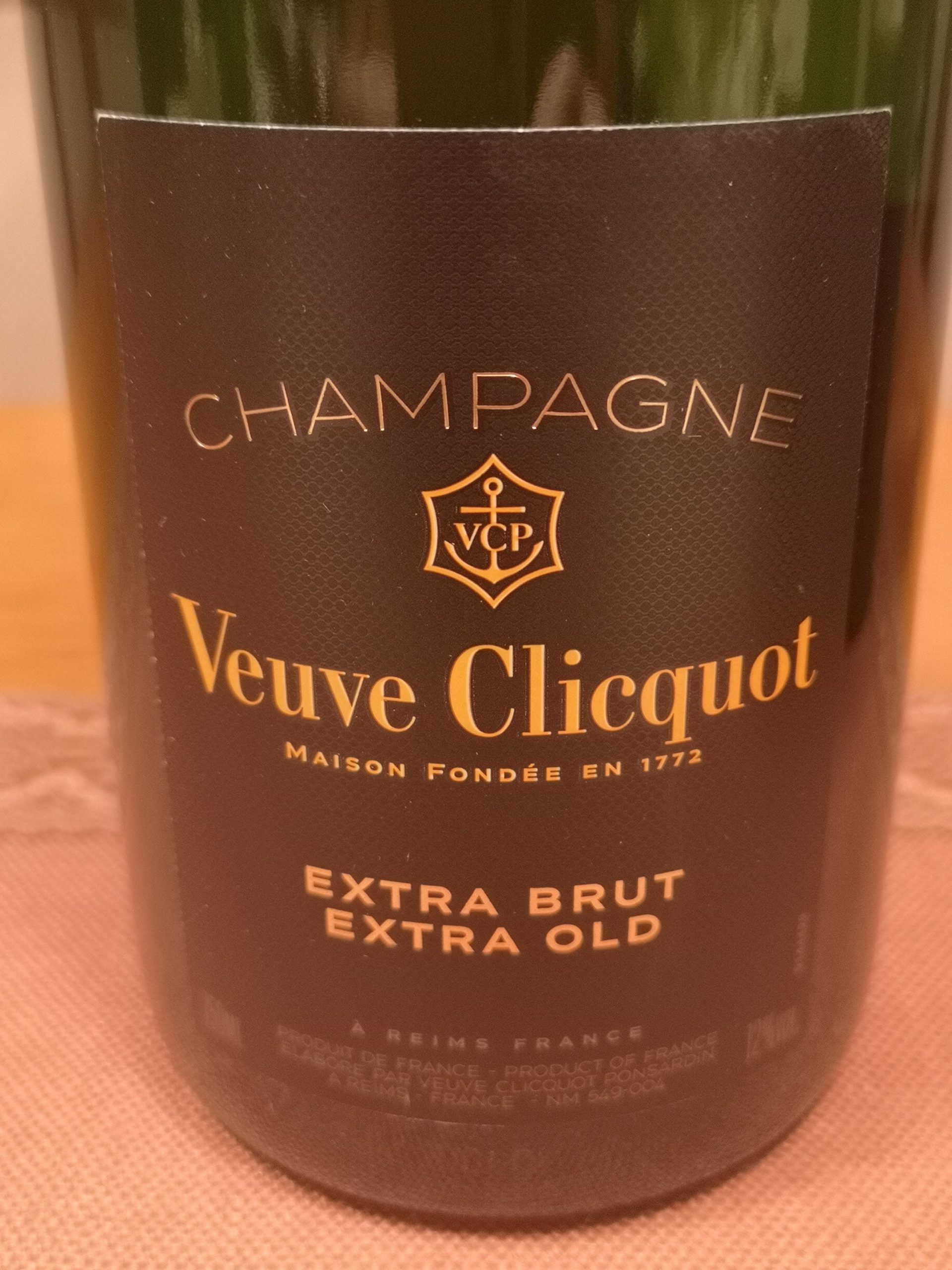 -nv- Champagne VCP Extra Brut Extra Old | Veuve Cliquot